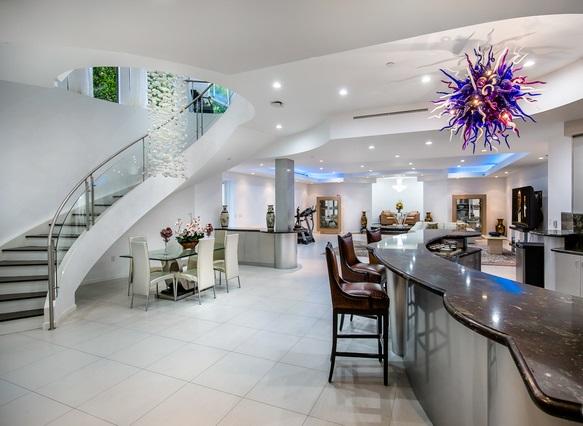 Take A Look Inside Socal Multi Million Dollar Home Comforts Blog